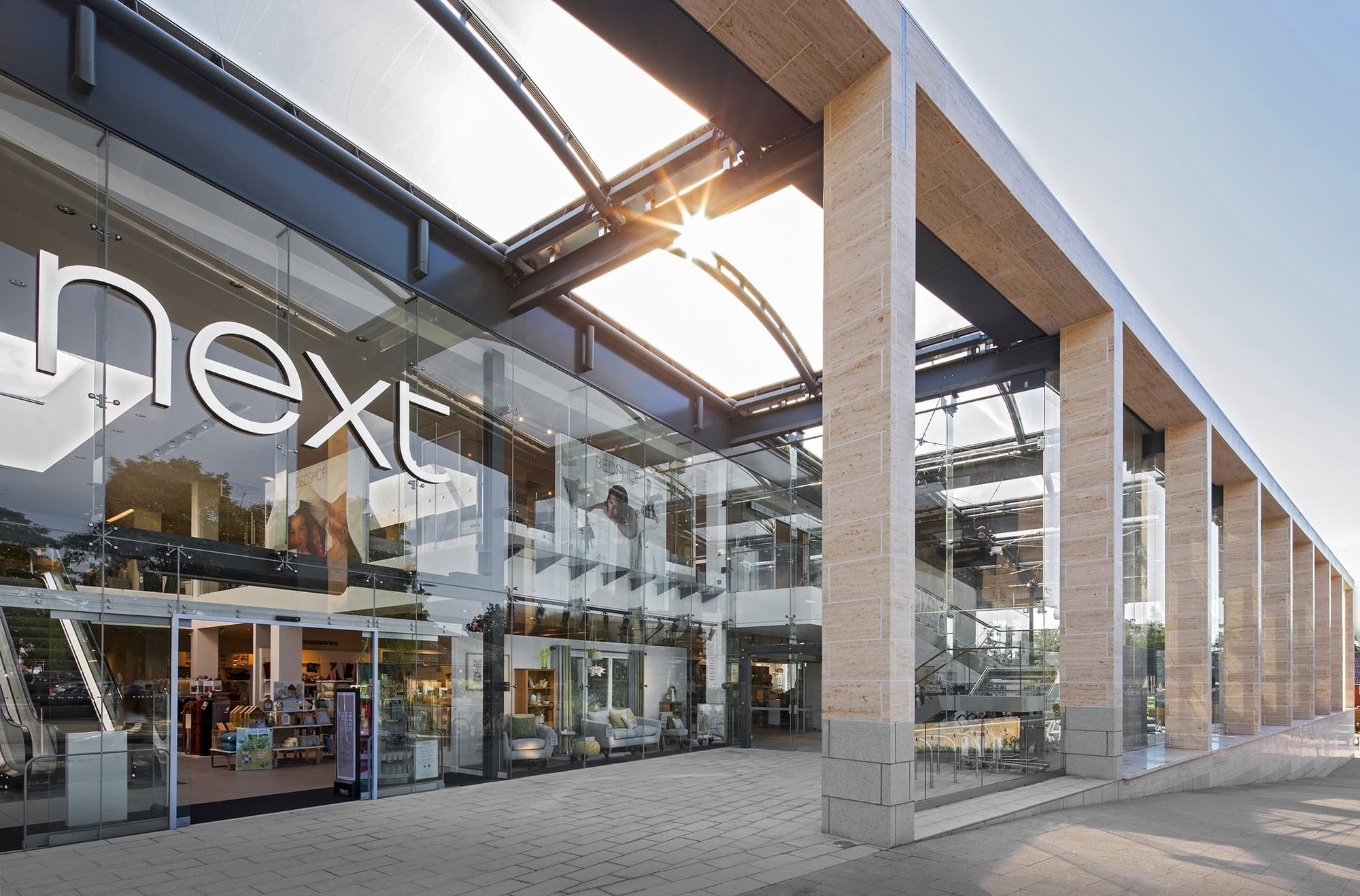 retail lighting design: Next exterior