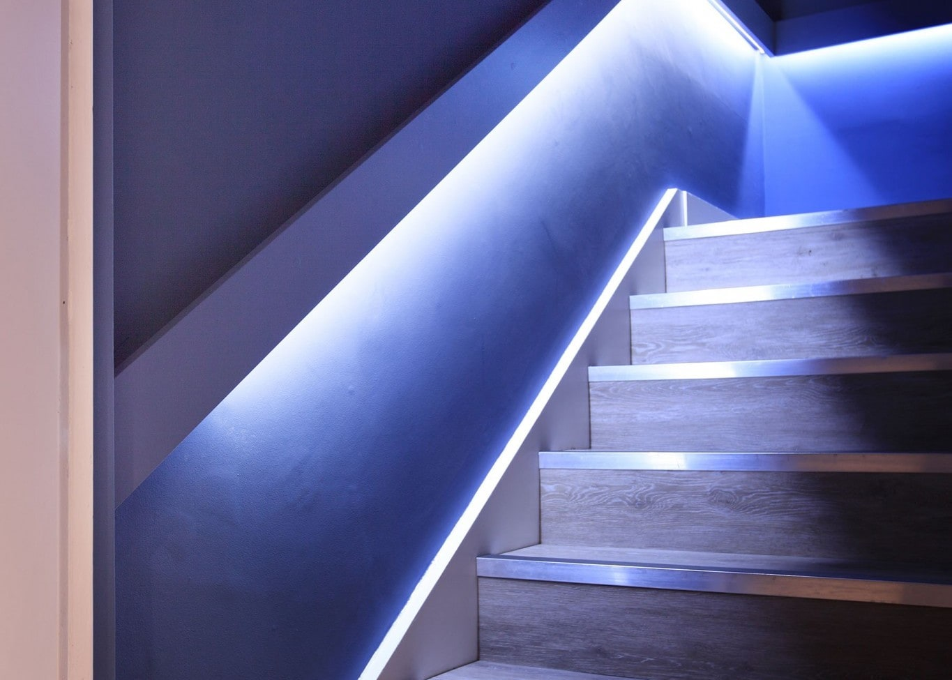 restaurant lighting design: Loft staircase