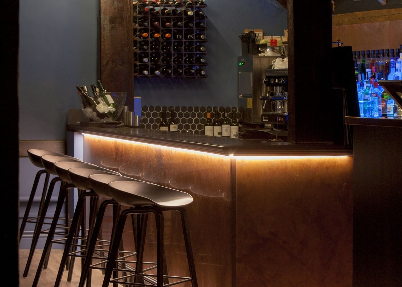 restaurant lighting design: Loft bar area