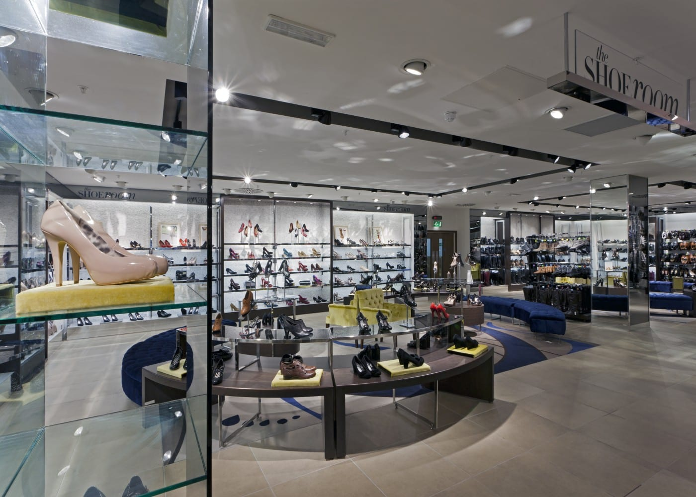 retail lighting design: Next shoe area