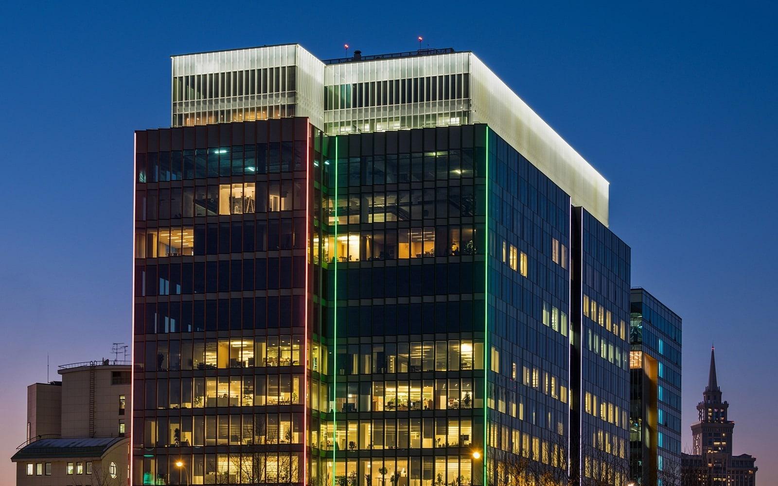 office lighting design: building exterior