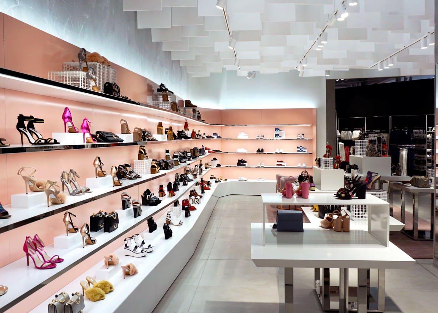 retail lighting design shoe display