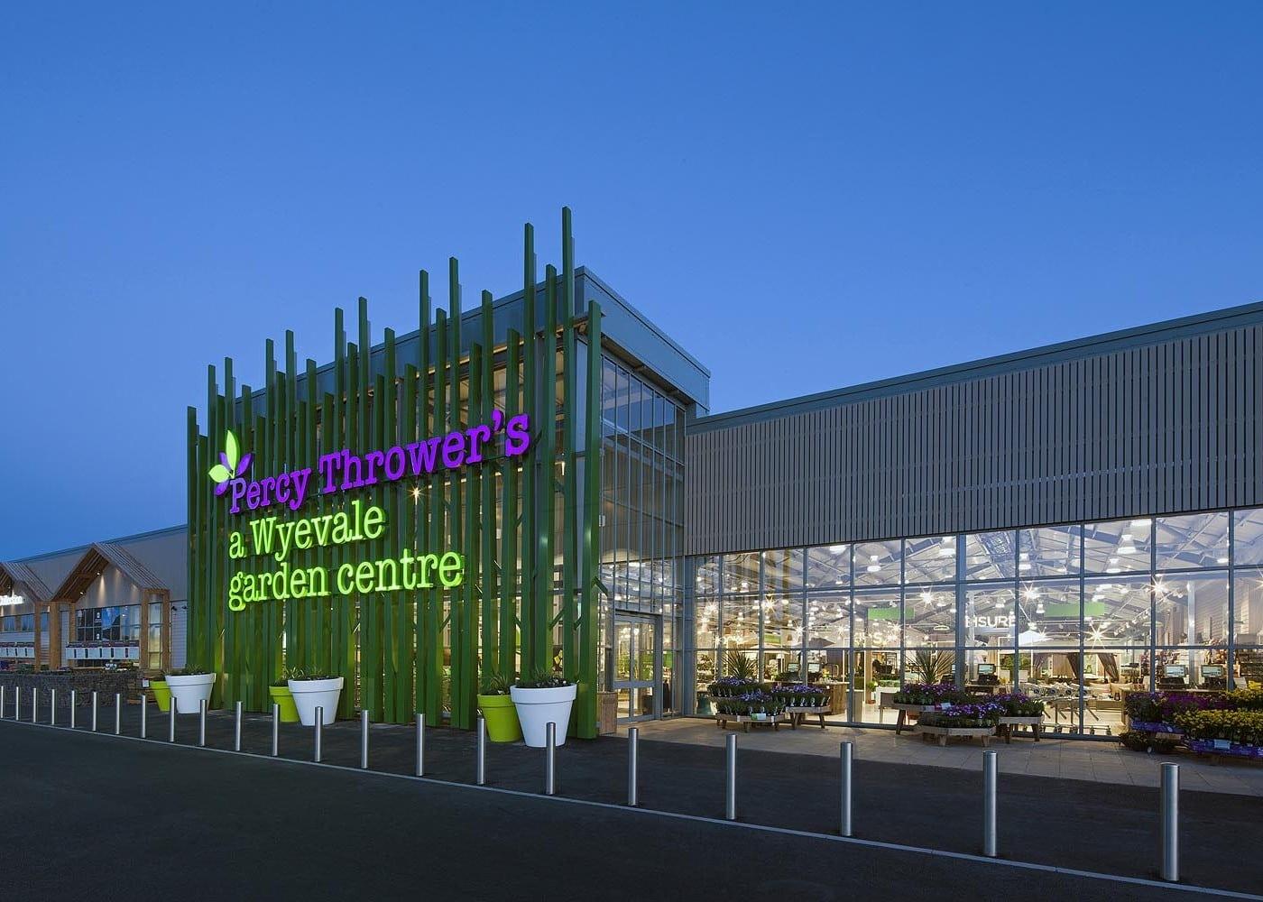 retail lighting design: Percy Thrower's a Wyevale Garden Centre exterior