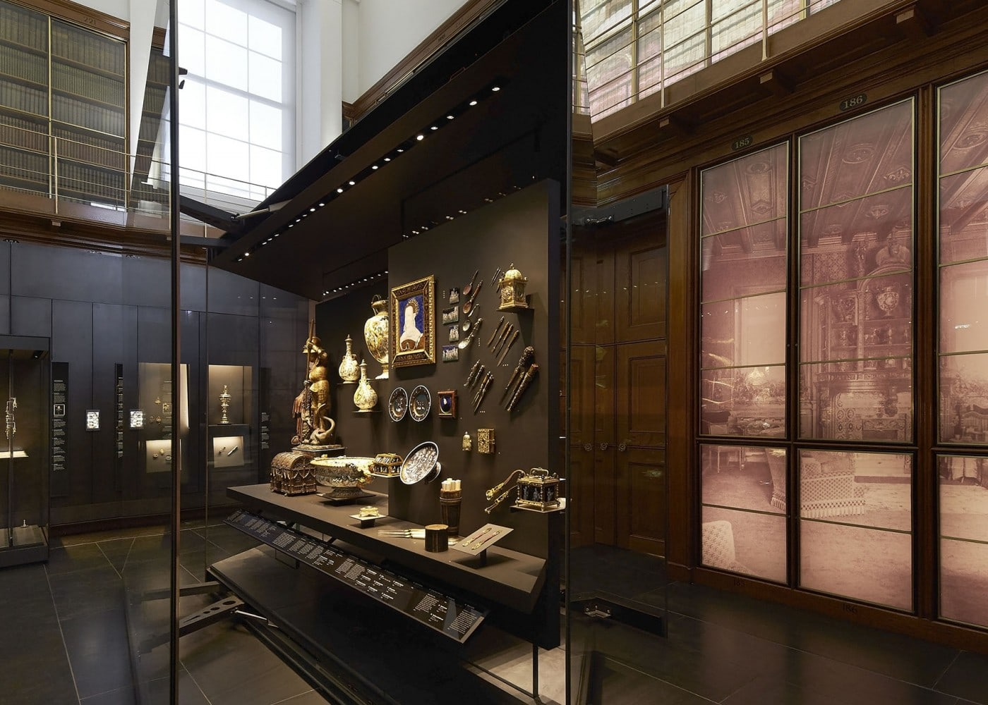 museum lighting design: displays