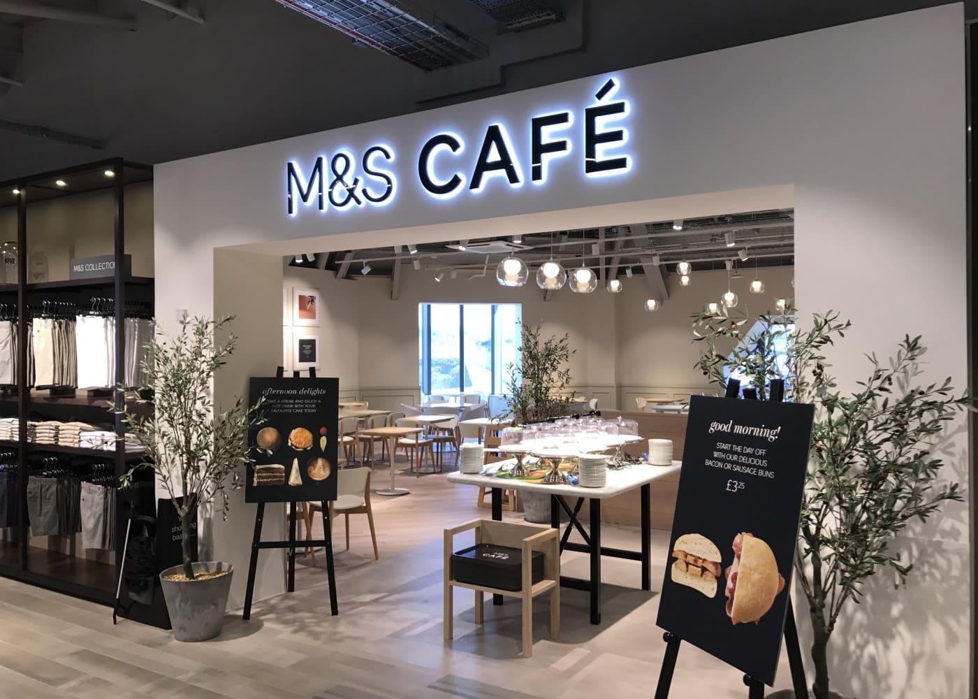 hospitality lighting design: M&S cafe exterior