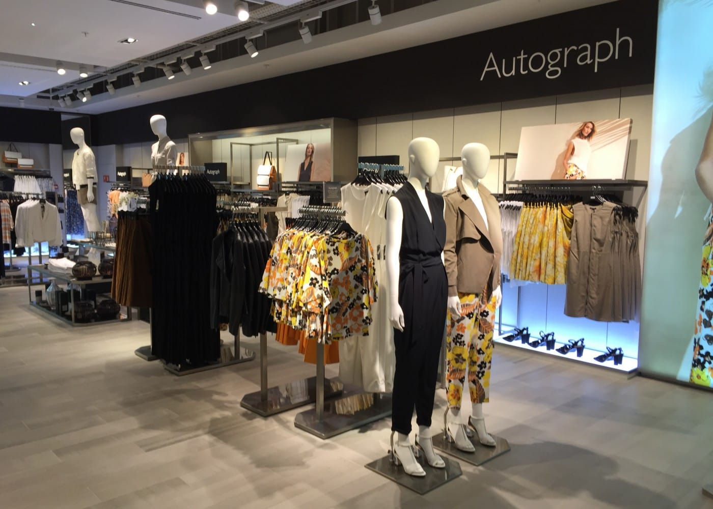 retail lighting design: M&S womenswear department