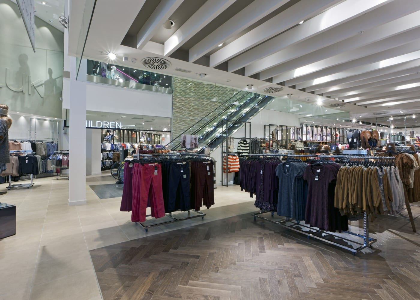 retail lighting design: Next shop floor