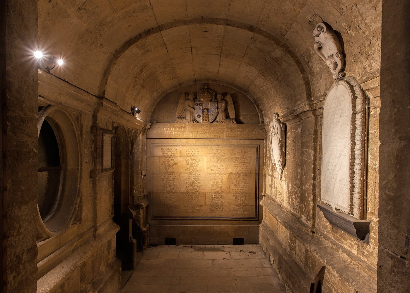 lighting for museums and art galleries: Brasenose College Chapel