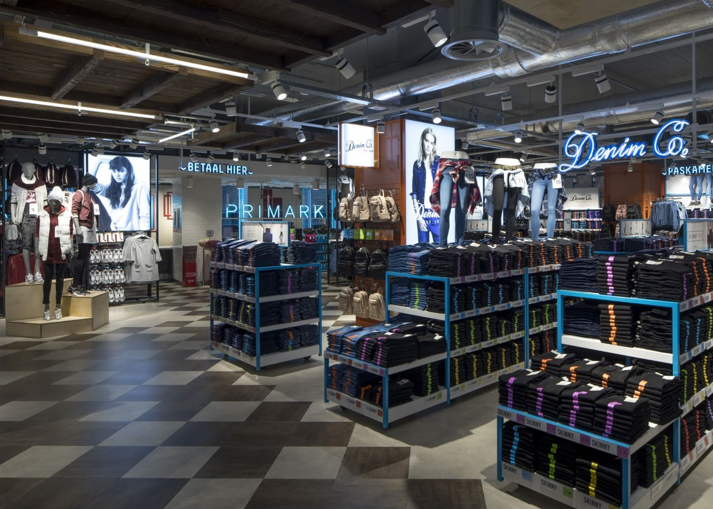 retail lighting design: Primark Amsterdam Ladies Denim department