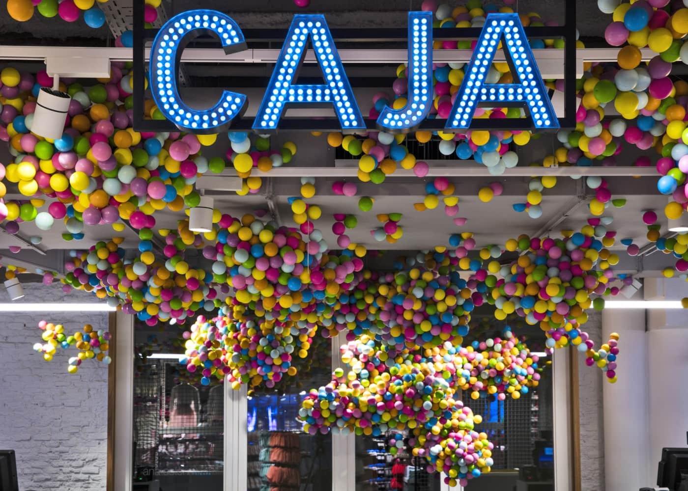 retail lighting design: Primark Madrid Gran Via store display