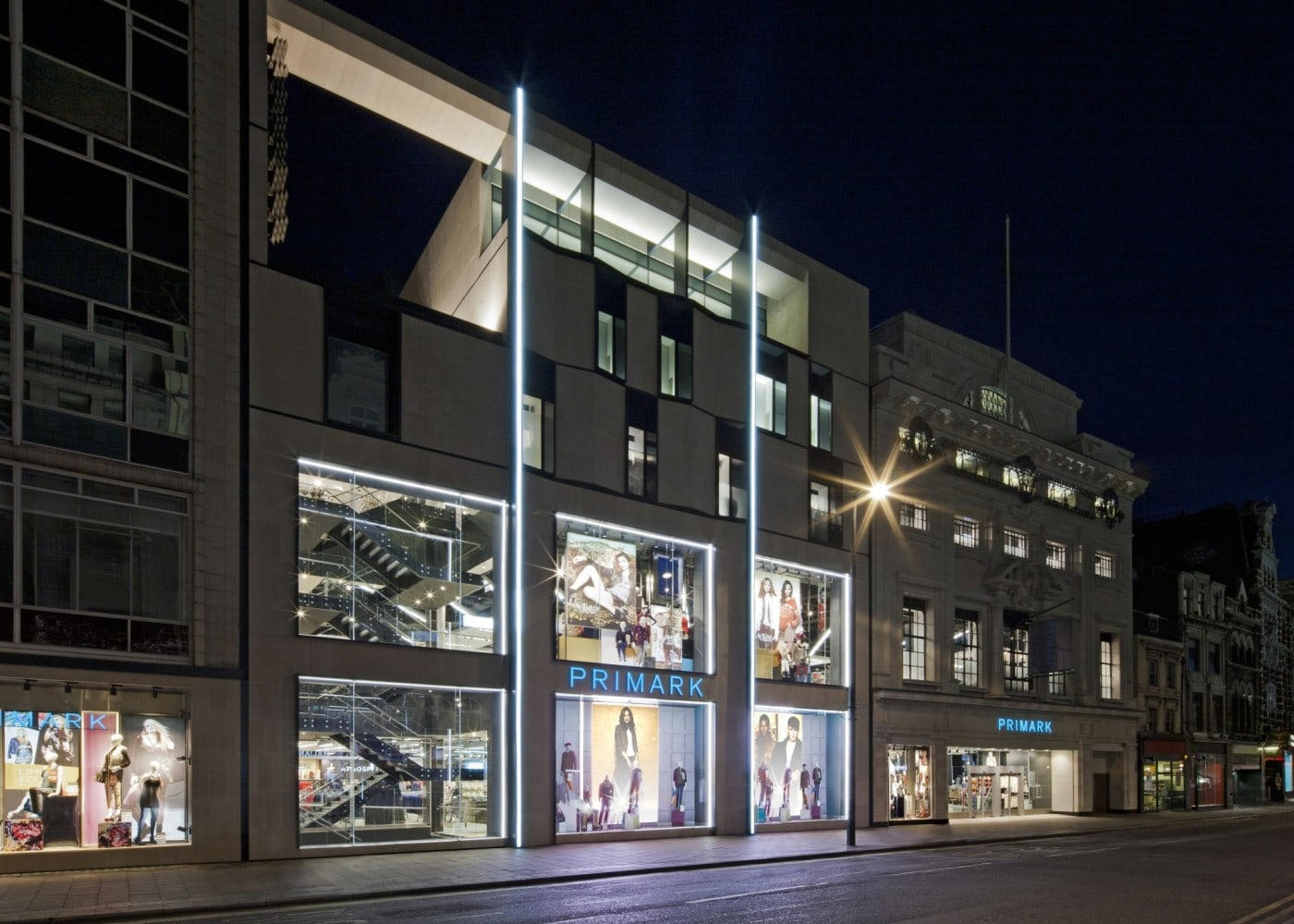 retail lighting design: Primark shop exterior