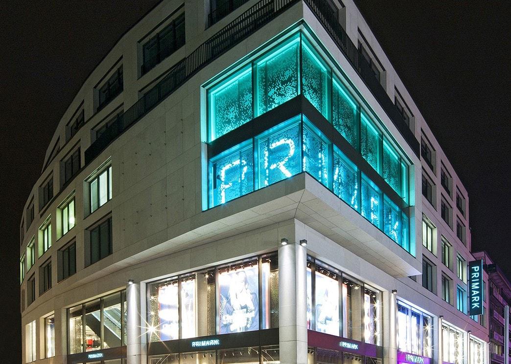 retail lighting design exterior