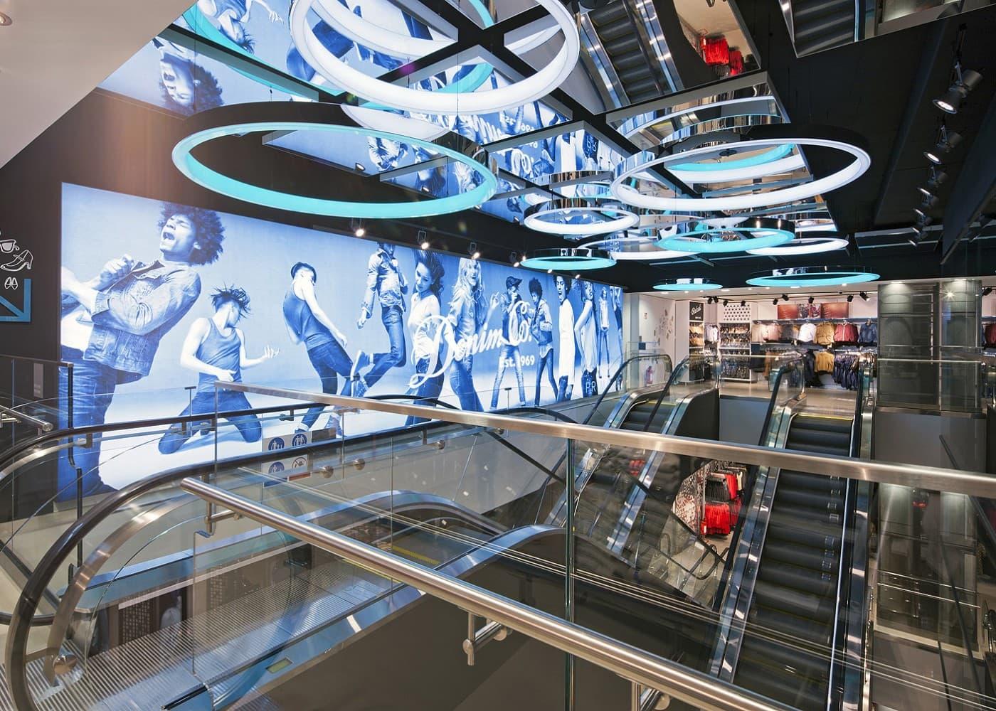 retail lighting design: Primark escalators