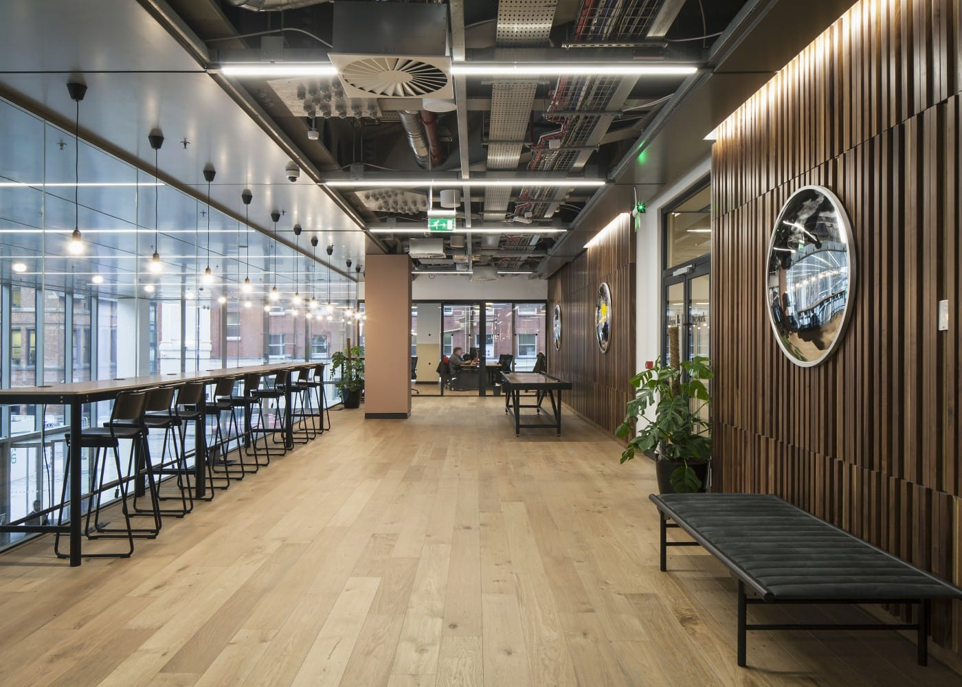 retail lighting design: One Spinningfields interior
