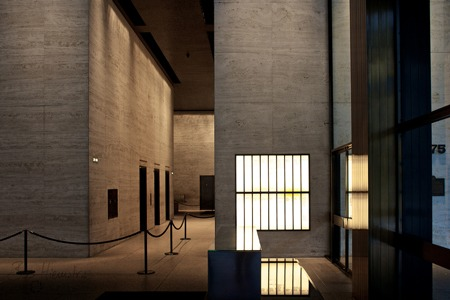 Architectural Lighting at The Seagram Building - Mise Van Der Rohe